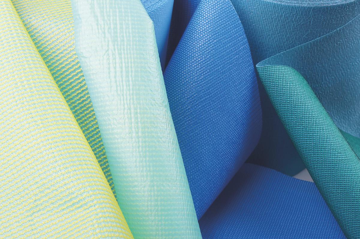 Tissus techniques de couleur différente