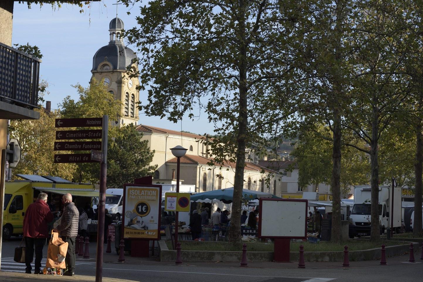 Le marché du Péage de Roussillon en Isère